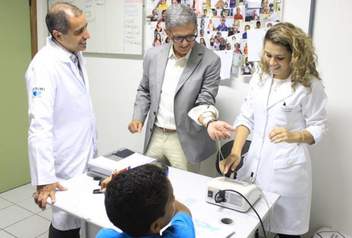 CEDIMI-Visita-Urologista-Americano-BAHIANA-07-10-2015_%283%29%281%29.jpg