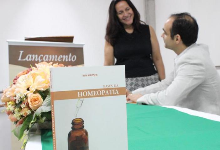 bahiana-lancamento-livro-homeopatia-15-12-2017-16-20171220141927-jpg
