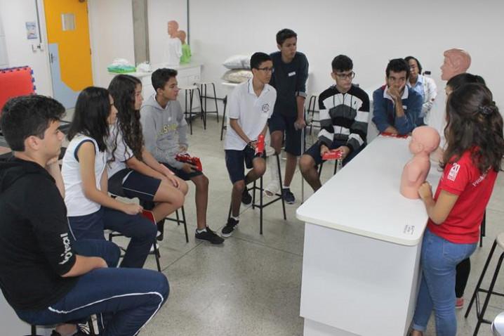 primeiros-socorros-colegio-nsc-13-04-1913-20190423095733.JPG