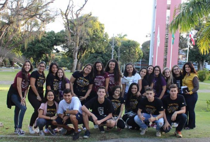 alunos-do-colegio-integral-participam-do-bahiana-por-um-dia-20180927195352.JPG