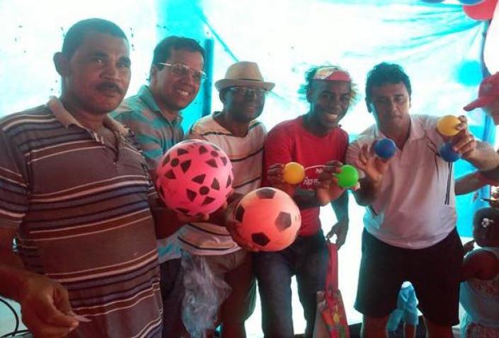 adote-sorriso-doe-brinquedo-rony-bahiana-12-10-2015-36-jpg