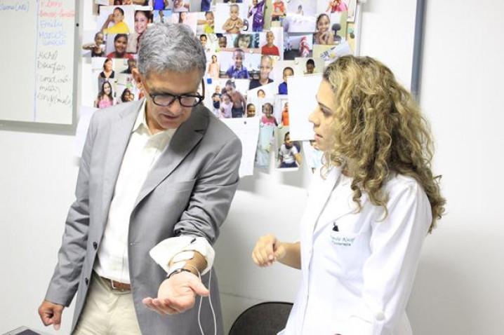 CEDIMI-Visita-Urologista-Americano-BAHIANA-07-10-2015_%285%29.jpg