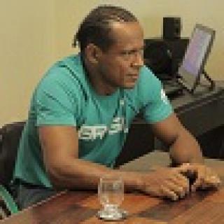 Renê Campos, atleta patrocinado pela Bahiana, reúne equipe técnica em preparação para as Paralimpíadas.