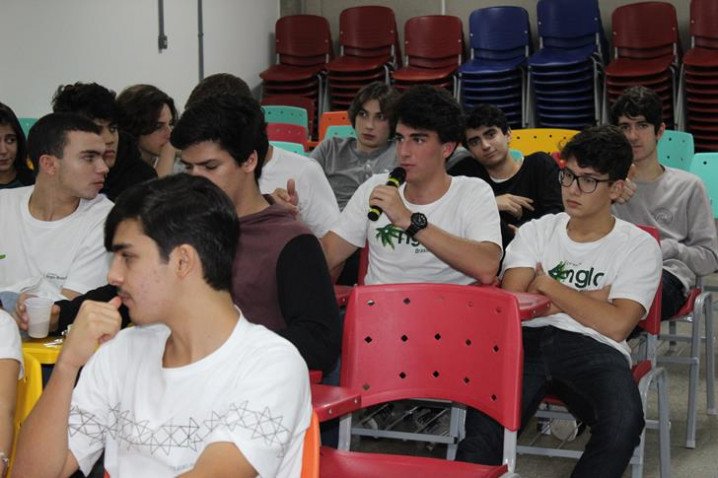 atividade-colegio-anglo-cine-bio-150818-22-20180921093446-jpg