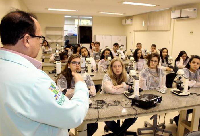 atividade-do-curso-de-biomedicina-com-o-prof-adalardo-carneiro-20180927195355-jpg