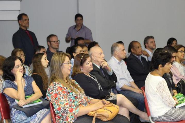 Bahiana-Manual-Procedimentos-Doencas-Infecciosas-Parasitarias-Couto-Maia-31-05-16_%2836%29.jpg