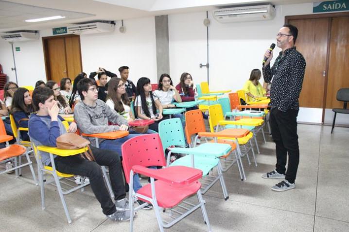 atividade-colegio-anglo-cine-bio-150818-15-20180921093439.JPG
