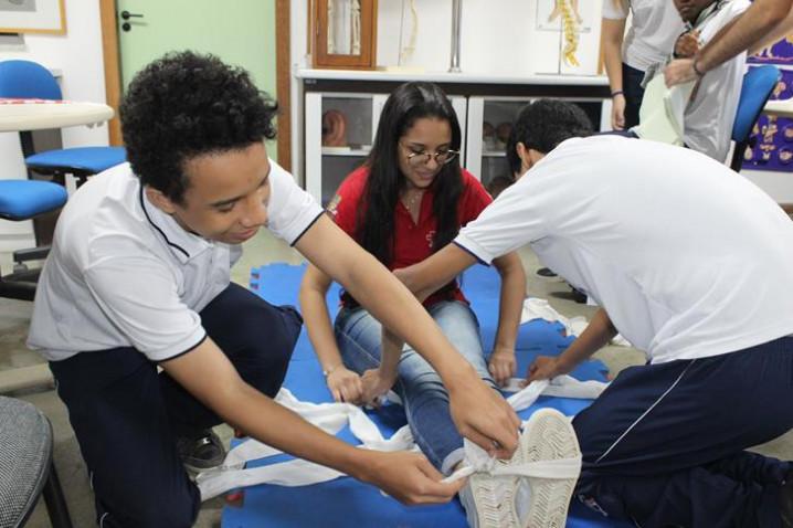 primeiros-socorros-colegio-nsc-13-04-1916-20190423095741-jpg