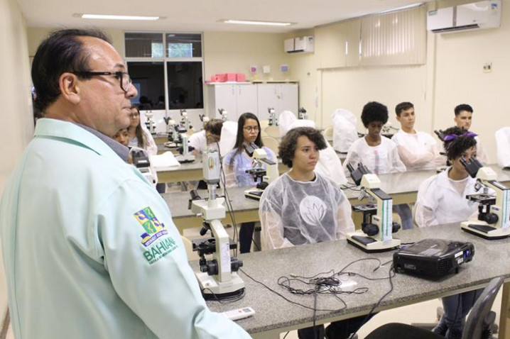 foto-14-atividade-de-biomedicina-com-prof.-adalardo-carneiro-2-20181109164741.JPG