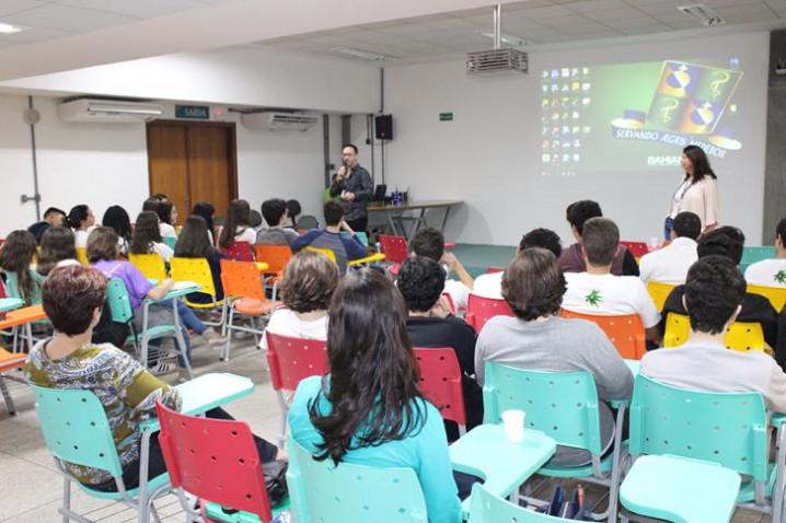 atividade-colegio-anglo-cine-bio-150818-18-20180921093441.JPG